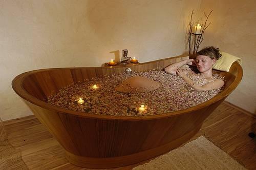 Bagno rilassante al latte e petali di rosa naturalmente blog - Bagno rilassante ...
